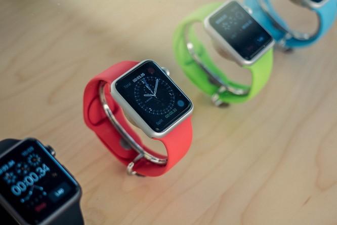 Apple tung ra thị trường Apple Watch rẻ chưa từng có ảnh 1