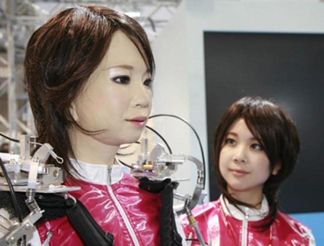 Đến năm 2050 con người sẽ cưới robot? ảnh 4