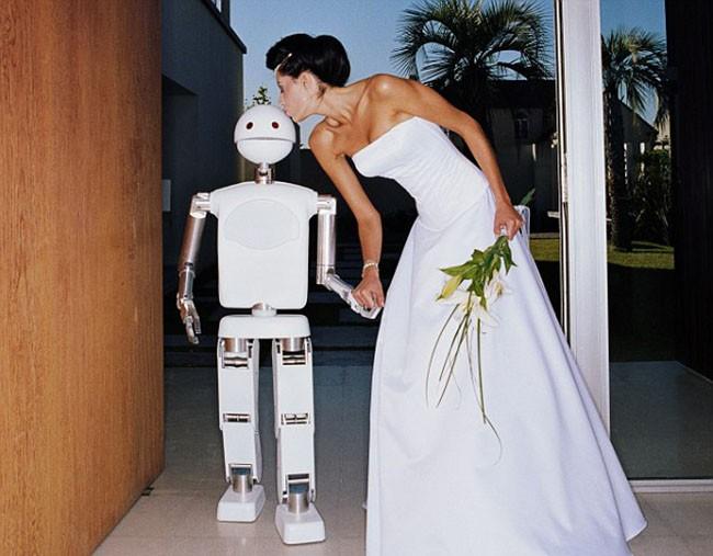 Đến năm 2050 con người sẽ cưới robot? ảnh 3
