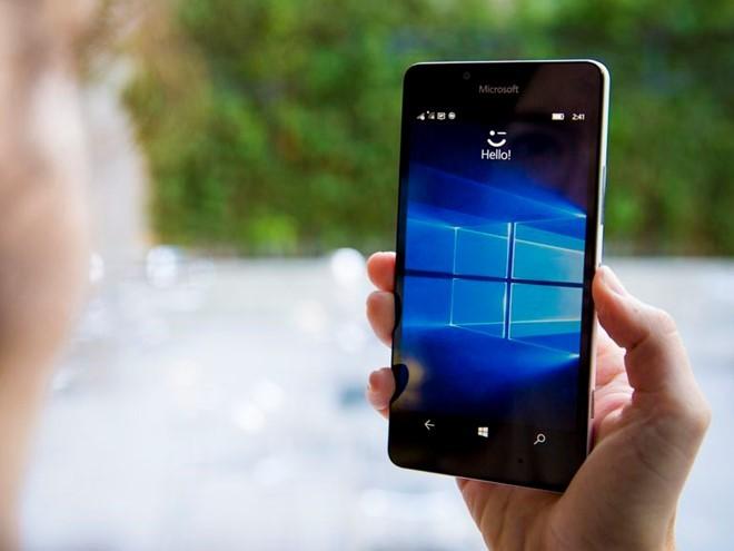 Lumia 950 bán xả hàng giá 3,9 triệu đồng tại Việt Nam ảnh 1