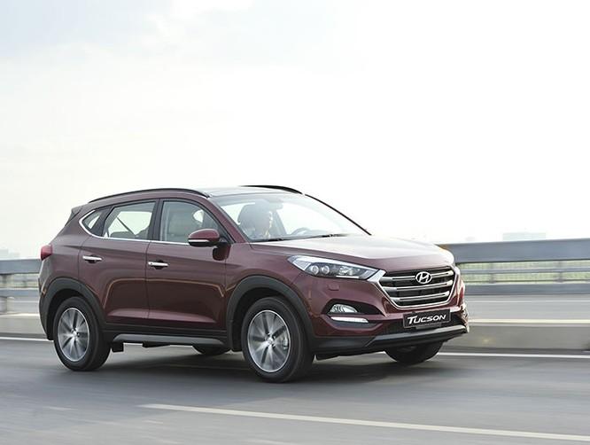 Mua xe chạy Tết, chọn Hyundai Tucson hay Honda CR-V? ảnh 1