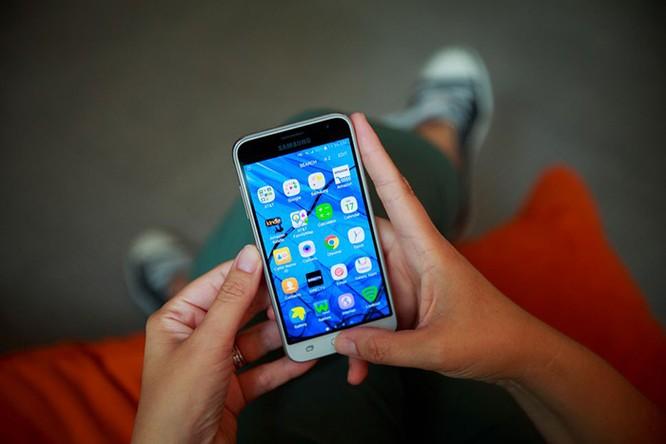 Những smartphone có thời lượng pin tốt nhất hiện nay ảnh 6