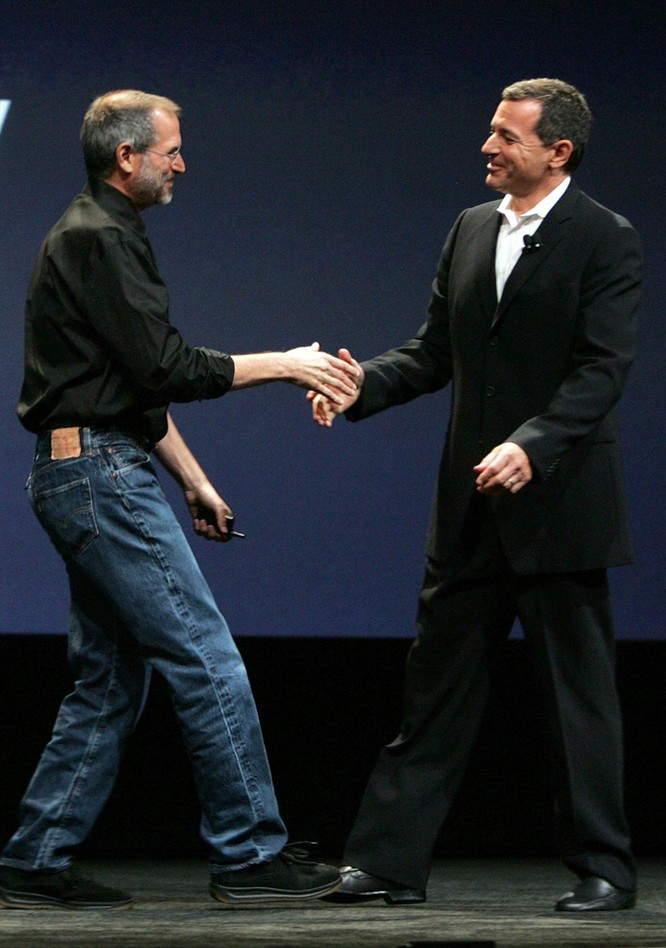 """Hành trình đưa Apple từ """"cõi chết"""" lên đỉnh cao danh vọng của Steve Jobs ảnh 25"""