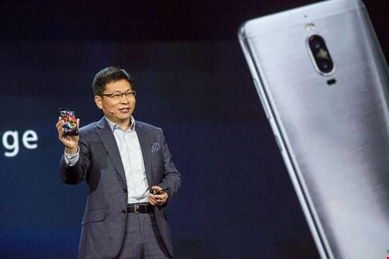 Huawei hé lộ điện thoại trí thông minh nhân tạo AI ảnh 2