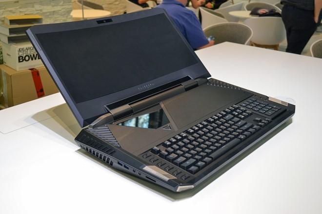 Laptop ngày một to lớn và nặng nề: Lỗi tại VR ảnh 1