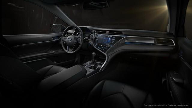 Toyota Camry 2018: Lột xác về thiết kế từ trong ra ngoài, thêm động cơ mới ảnh 12