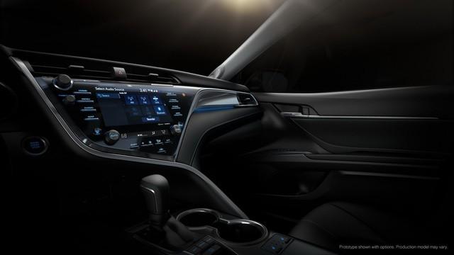 Toyota Camry 2018: Lột xác về thiết kế từ trong ra ngoài, thêm động cơ mới ảnh 13