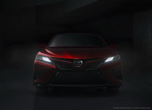 Toyota Camry 2018: Lột xác về thiết kế từ trong ra ngoài, thêm động cơ mới ảnh 18