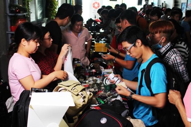 Chợ phiên máy ảnh cuối năm giữa Sài Gòn ảnh 1