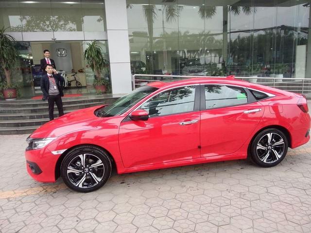 Cận cảnh Honda Civic thế hệ mới tại đại lý ở Hà Nội ảnh 1