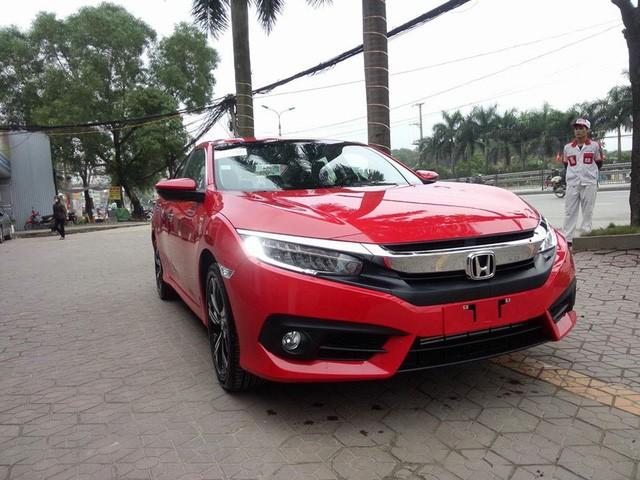 Cận cảnh Honda Civic thế hệ mới tại đại lý ở Hà Nội ảnh 3