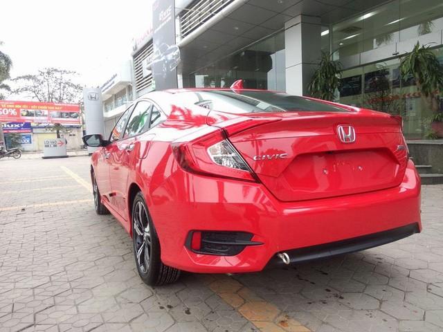 Cận cảnh Honda Civic thế hệ mới tại đại lý ở Hà Nội ảnh 5