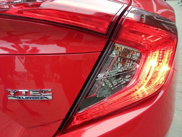 Cận cảnh Honda Civic thế hệ mới tại đại lý ở Hà Nội ảnh 7