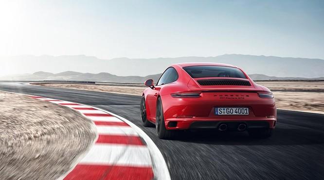 Porsche 911GTS 2017 chốt giá từ 8,2 tỷ đồng cho khách Việt ảnh 1