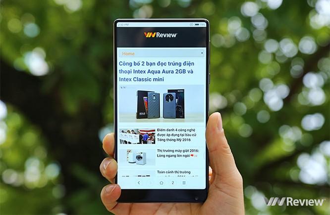 """""""Viền màn hình siêu mỏng"""" - xu hướng thiết kế smartphone trong năm nay ảnh 1"""