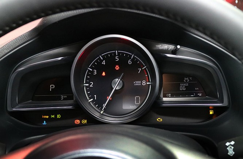 Mazda3 2017 thêm loạt công nghệ, giá từ 24.000 USD ảnh 7