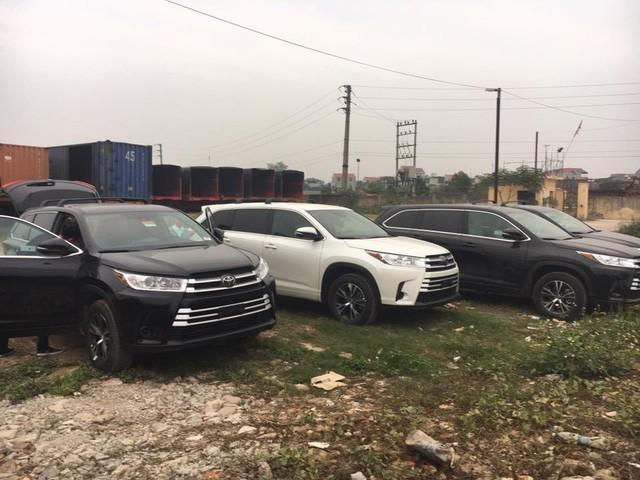 Lô xe Toyota Highlander 2017 đổ bộ Việt Nam đúng dịp Tết ảnh 1