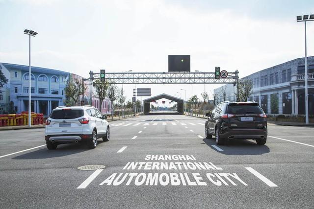 Ford phát triển công nghệ giúp lái xe rẽ trái an toàn nơi giao lộ ảnh 1