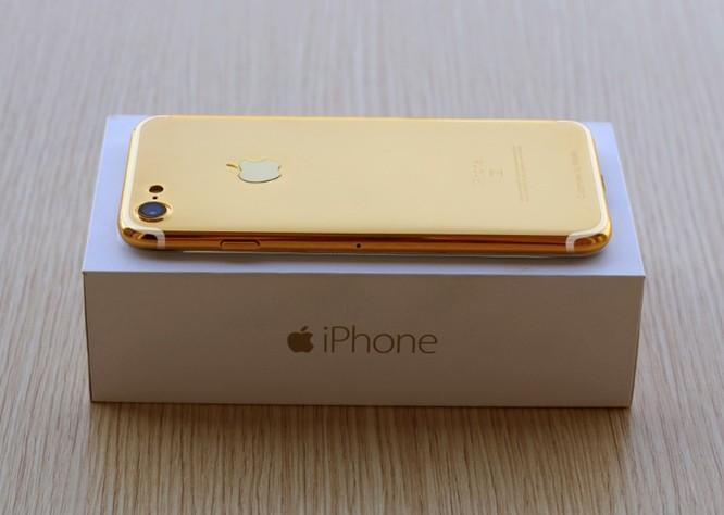iPhone 7 mạ vàng cho Valentine được chào giá từ 35 triệu đồng ảnh 1
