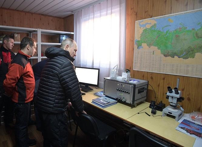 Thăm căn cứ dã chiến của Công viên Quốc gia Russkaya Artktica