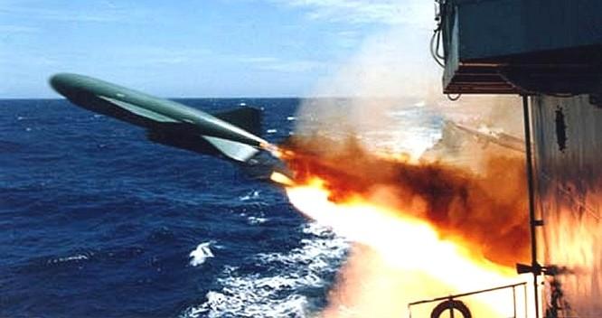 P-15 Termit đang có trong trang bị cho tàu tên lửa Osa II, Project 1241RE đã được nâng cấp tầm bắn lên gấp đôi, với cự ly diệt mục tiêu 80km thay vì 40km như trước kia. Nguồn ảnh: Wikiwand