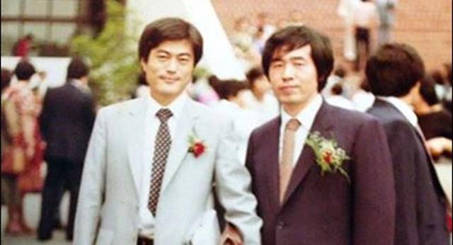 Hai người bạn: Tân Tổng thống Moon Jae -in và Cố Tổng thống Roh Moo hyun