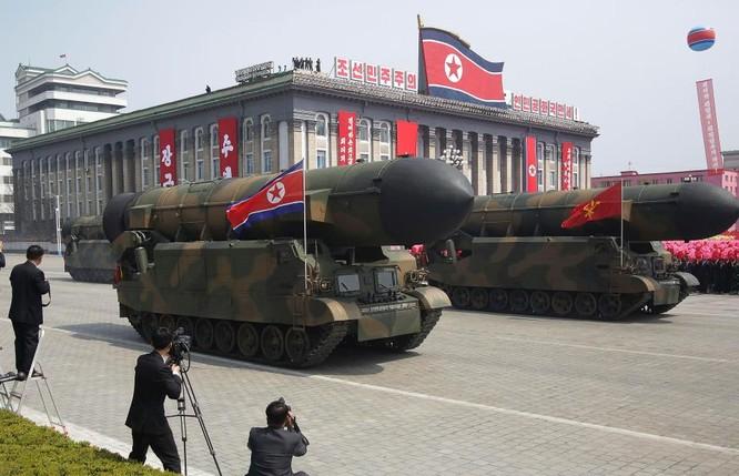 Tên lửa Triều Tiên trong ngày lễ duyệt binh kỷ niệm ngày Ánh sáng (15/4)