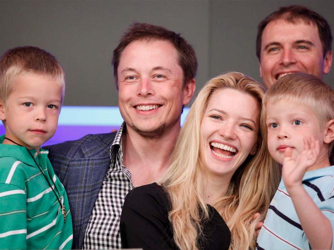 """Một ngày """"bận rộn đến từng giây"""" của Elon Musk, chủ hãng xe điện Tesla ảnh 7"""