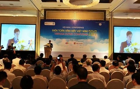 Gần 400 đại biểu đã tham dự Hội nghị điện toán đám mây Việt Nam.