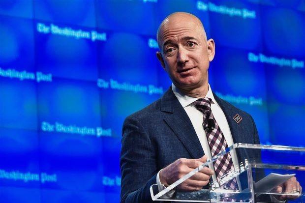 Jeff Bezos - ông chủ của Amazon