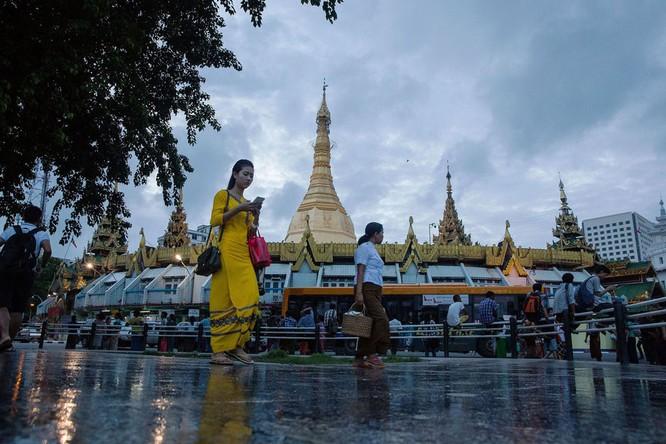 Myanmar chứng kiến sự bùng nổ điện thoại thông minh chưa từng thấy1