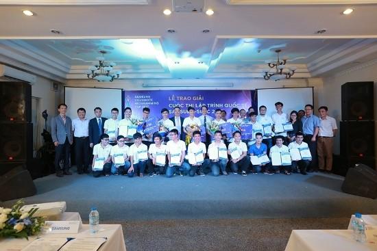 10 thí sinh Việt Nam dự vòng chung kết cuộc thi lập trình Quốc tế ảnh 1