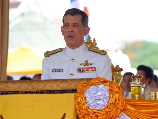 Sinh viên Thái Lan bị kết án tù vì chia sẻ bài báo lên Facebook ảnh 1
