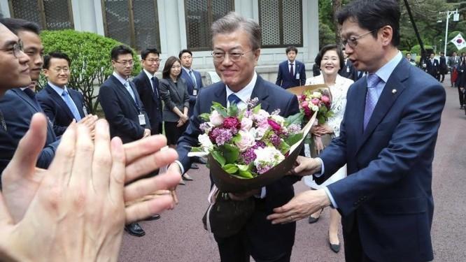 """Thái tử Samsung Lee Jae Yong: Cái giá phải trả hay chỉ là """"con dê tế thần""""? ảnh 1"""