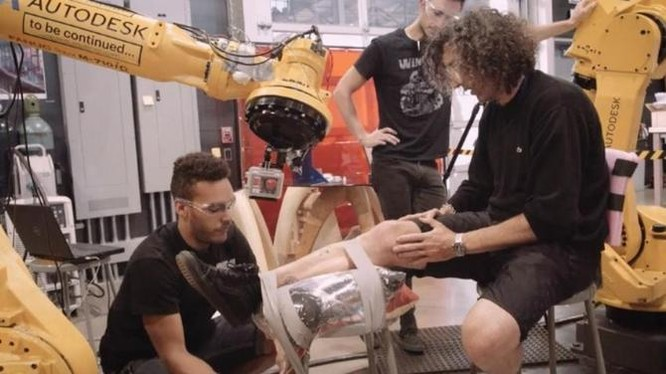 Cận cảnh robot xăm công nghiệp đầu tiên trên thế giới ảnh 4