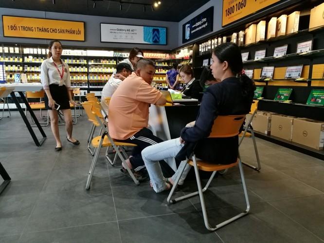 Bên trong cửa hàng mới toanh của Thế Giới Di Động: Đẹp, sang, ít nhân viên ảnh 3