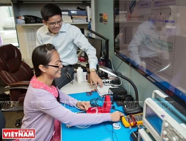 Giáo sư Việt 8X Vũ Ngọc Tâm và 10 bằng sáng chế Mỹ ảnh 8
