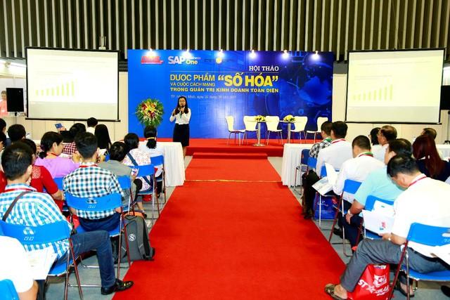 Bà Đinh Thị Minh Huân – Giám đốc kinh doanh DMSpro chia sẻ về xu hướng công nghệ hóa quản lý phân phối bán hàng trong ngành dược phẩm.
