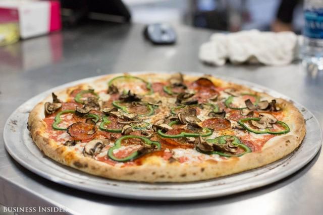 Được làm bởi robot, những chiếc pizza này sẽ là đối thủ đáng gờm của Dominos và Pizza Hut? - Ảnh 21.