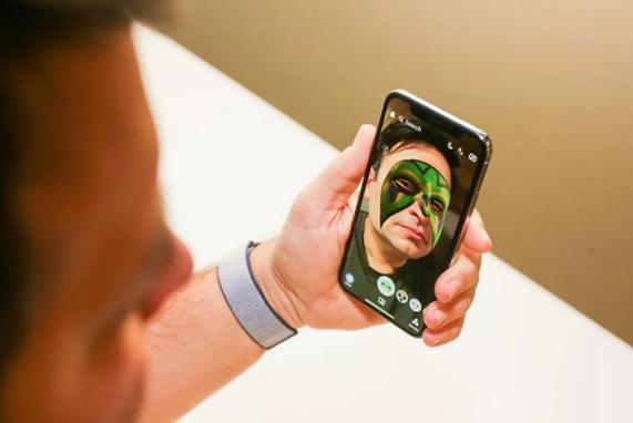 Tim Cook: Chỉ cần nhịn vài cốc cà phê mỗi tuần là mua được iPhone X ảnh 3