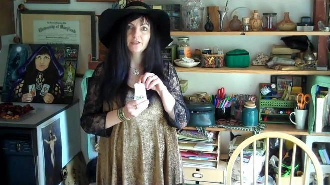 Tại thung lũng Silicon, có một bà phù thủy dùng phép để diệt virus ảnh 1