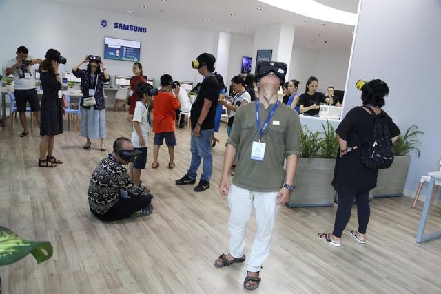 Độc đáo khám phá Sơn Đoòng bằng kính thực tế ảo - Ảnh 2.