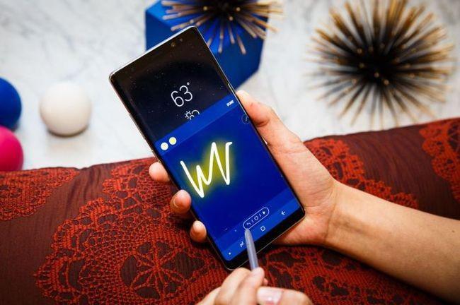 Điểm danh 6 mẫu smartphone có viền màn hình mỏng nhất thế giới ảnh 3