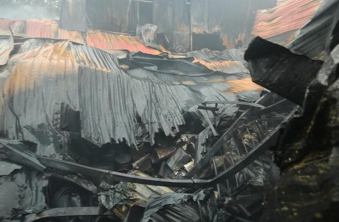 Cháy lớn ở Hà Nội: 8 người chết tại xưởng sản xuất của Công ty Môi trường 79 ảnh 2