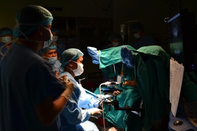Điều trị cho bệnh nhân ung thư bằng kỹ thuật hiện đại tại BV Bạch Mai