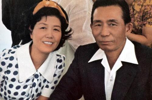 Tổng thống Park Chung Hee và phu nhân (ảnh: Thongtinhanquoc)
