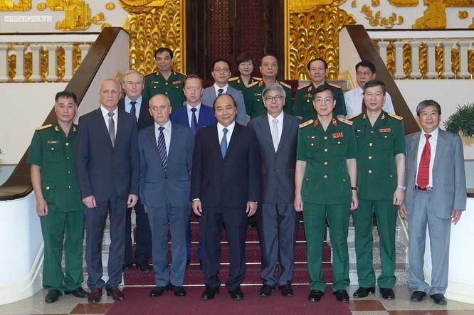 Thủ tướng Chính phủ Nguyễn Xuân Phúc và Hội đồng (ảnh : Ảnh: Quang Hiếu)