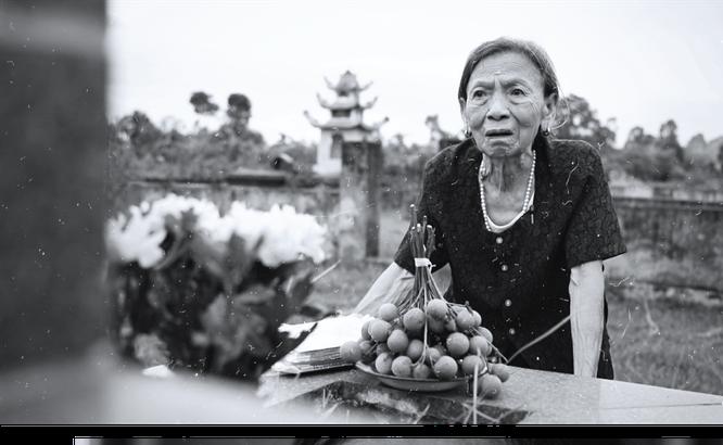 Mẹ Hà Thị Xuân - mẹ của liệt sĩ Bùi Thanh Tuân (ảnh: VTV)