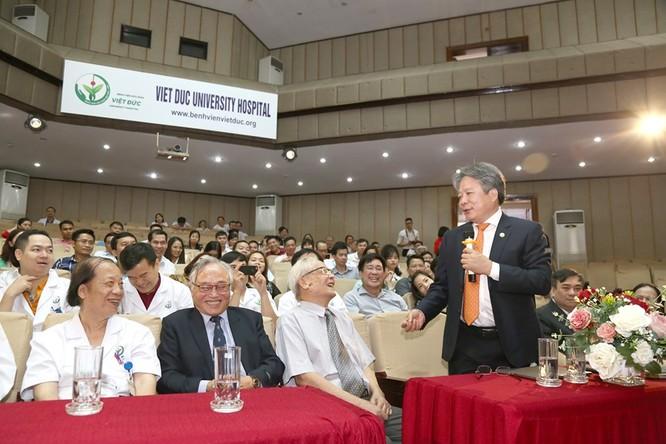 Niềm vui của các thế hệ thầy thuốc BV Việt Đức trước thành công trong lĩnh vực ghép tạng của BV