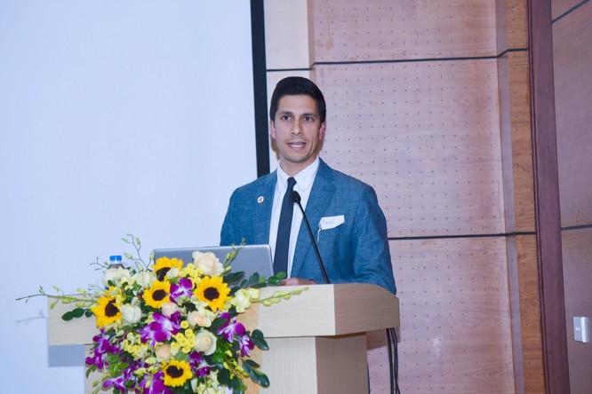 Nhiều nhà khoa học nước ngoài tham gia nghiên cứu về HIV ở Việt Nam cùng các nhà khoa học trong nước